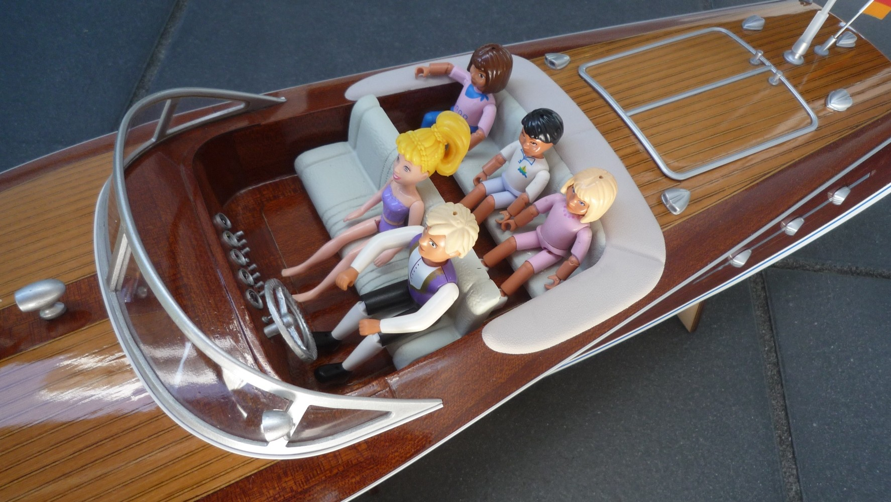 lokschuppen dominik rc modellbau motorboot volere. Black Bedroom Furniture Sets. Home Design Ideas